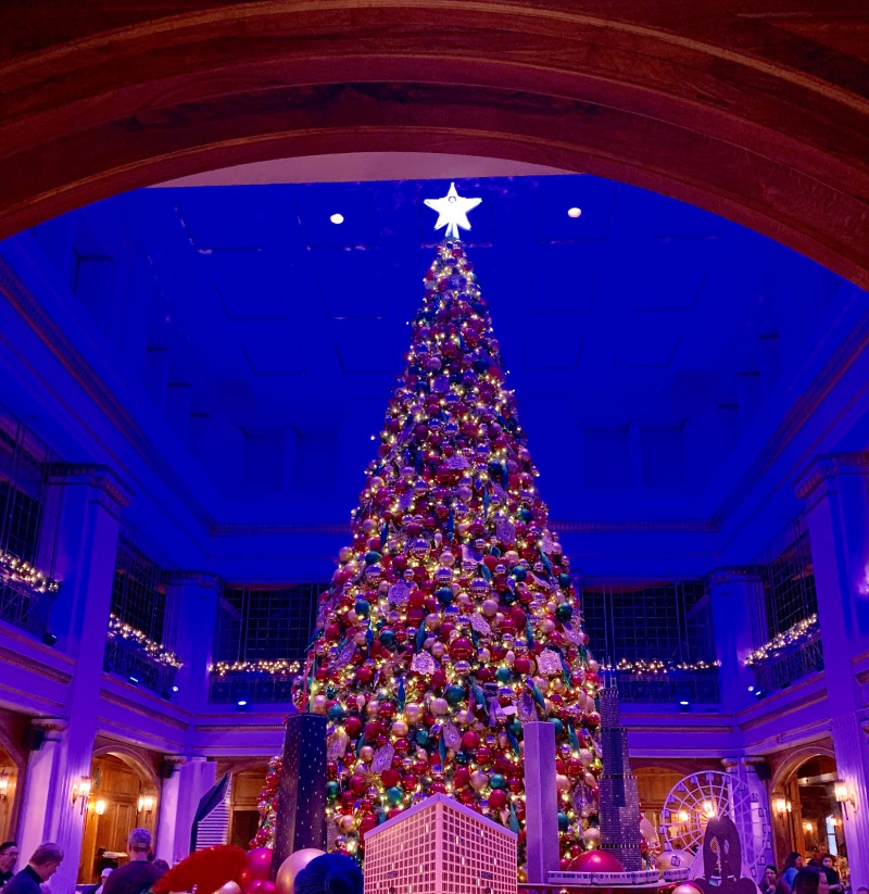 Everything to See and Do at Macy's/Marshall Field's on State Street During the Holidays